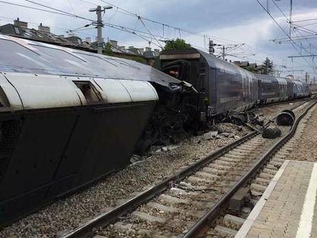 Навенском вокзале столкнулись поезда