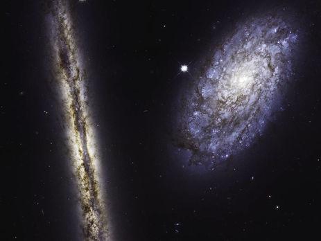 Космічний телескоп Хаббл зробив унікальний знімок двох спіральних галактик