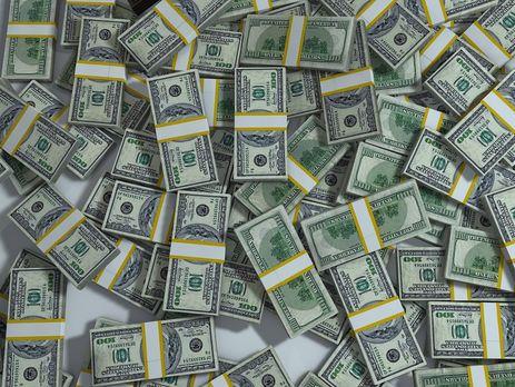 В стодолларовых купюрах богатство Януковича весит 15 т, подсчитал Луценко
