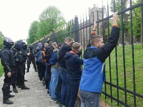 30 участников массовой потасовки задержаны полицейскими воЛьвове