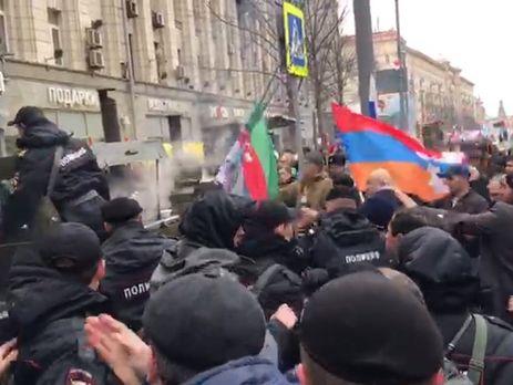 """В Москве произошел инцидент между азербайджанцами и армянами в ходе проведения акции """"Бессмертный полк"""""""