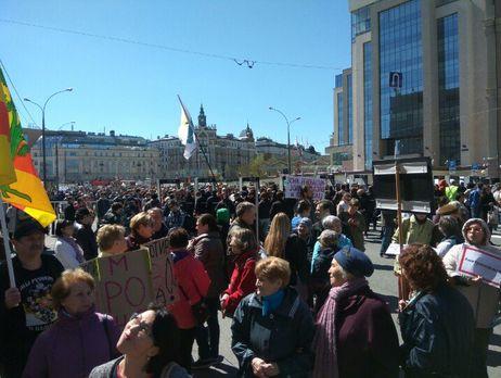 Митинг против реновации прошел в столице России : вакции приняли участие 8000 человек