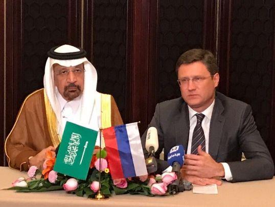 Россия и Саудовская Аравия договорились продлить заморозку нефтедобычи