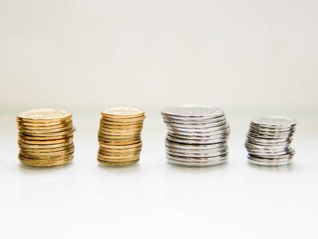 Кабмин обещает повысить пенсии почти в три раза