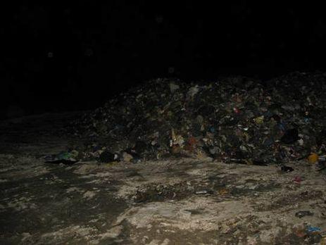 Під Києвом затримали вантажівки зльвівським сміттям