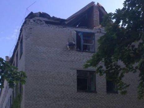 Обстріл Красногорівки триває і зараз: поранені кілька мирних мешканців— Жебрівський