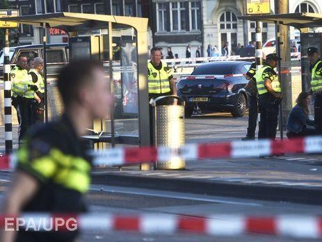 ВАмстердамі автомобіль в'їхав вперехожих, є постраждалі