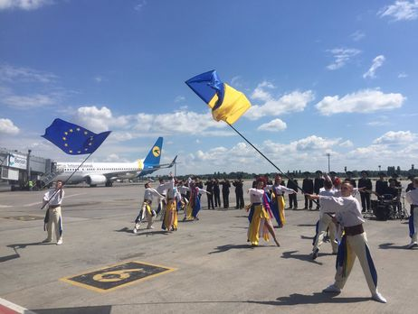УДержприкордонслужбі розповіли, скільки українців вже скористались безвізом з ЄС