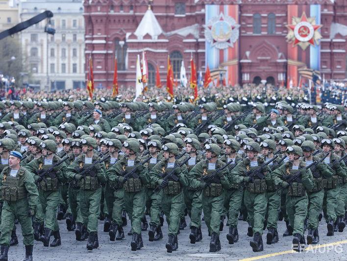 Россия тратит на армию 7,4% ВВП, истощая свою экономику – СМИ