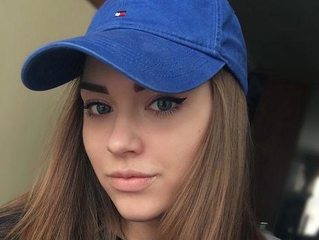 Социальная сеть Instagram покоряет 18-летняя внучка Владимира Высоцкого Арина