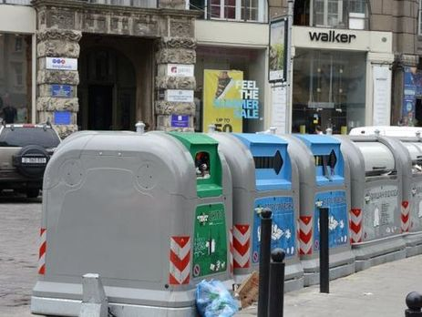 Сьогодні перевізники почнуть вивозити сміття зі Львова