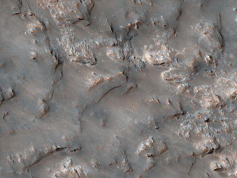MRO передал новый фото поверхности Марса