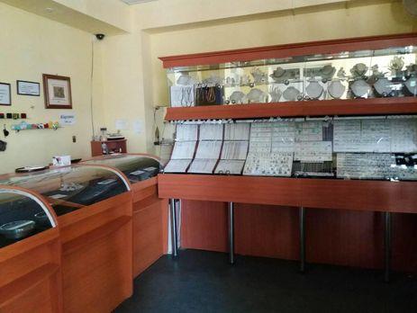 ВХарьковской области изторгового центра неизвестные украли три килограмма золотых украшений