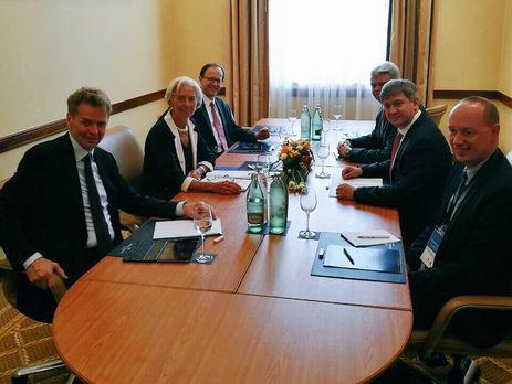 Данилюк обсудил сглавой МВФ пенсионную иземельную реформу