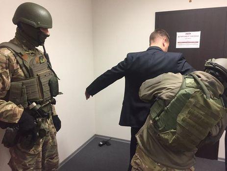 Картинки по запросу військ прокуратура проводить обшуки в