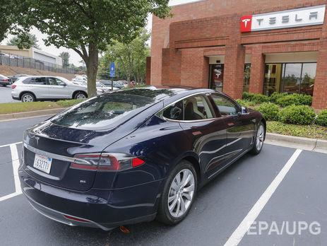 Акции Tesla резко упали после трагедии беспилотного автомобиля спятью пострадавшими