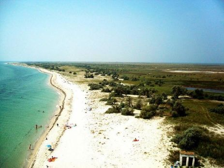 Евакуація зострова вЧорному морі: туристів доставили додому