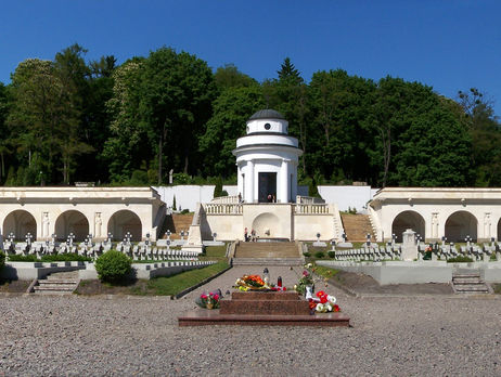 Мемориал орлят во Львове могут разместить на страницах паспорта в Польше