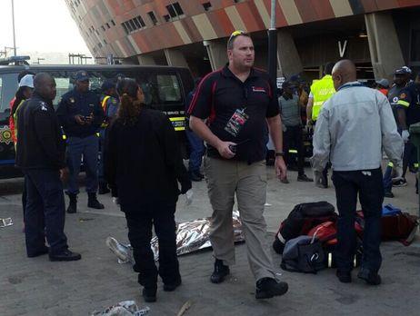У Південно-Африканській Республіці сталася тиснява настадіоні, є загиблі