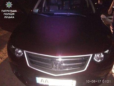 Вбагажнику автомобіля, затриманого біля Луцька, виявили людину