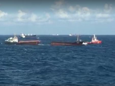 Біля берегів Туреччини розколовся російський суховантаж, є фото та відео