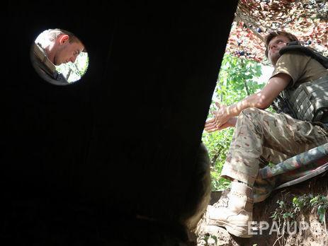 Бойовики утемряві понад годину обстрілювали КПВВ «Майорське»
