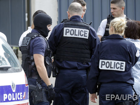 На вокзалі у Франції жінка облила кислотою американських туристок