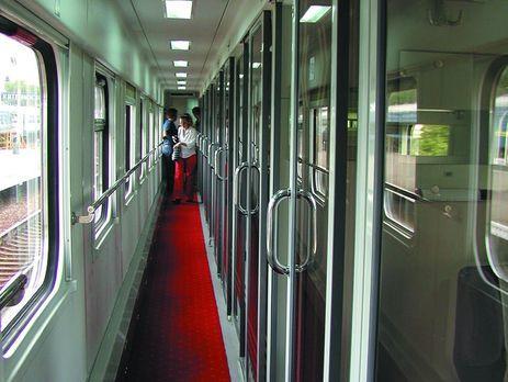 Локомотив фірмового поїзда сполученням «Київ— Харків» загорівся находу