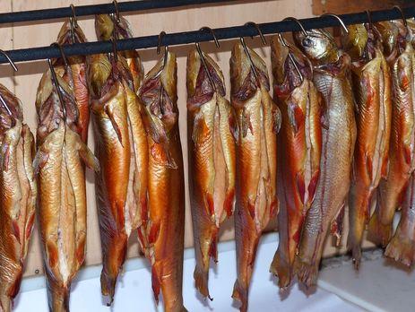 Пострадавшие покупали копченую рыбу в одном из торговых киосков на рынке'Привокзальный во Львове