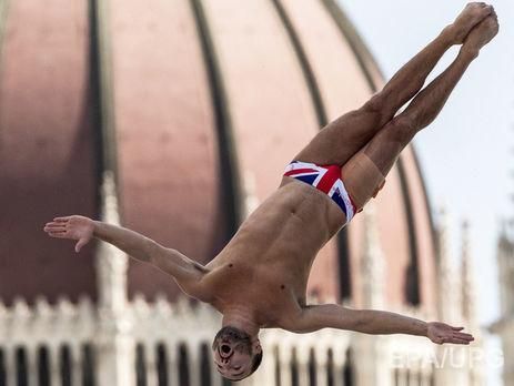 СБУ запретила заезд  двум английским  спортсменам запоездку вКрым
