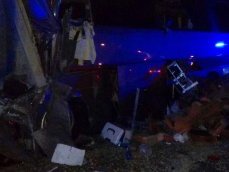 УРосії зіткнулися вантажівка і екскурсійний автобус: 6 загиблих, 20 постраждалих