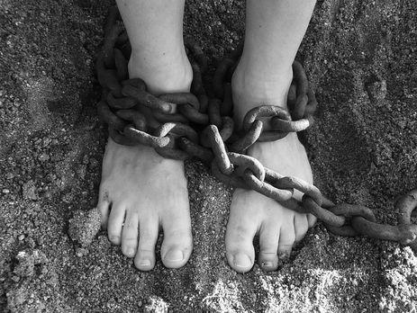 НаОдещині сім'я 14 років утримувала втрудовому рабстві трьох осіб
