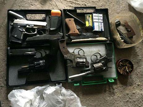 СБУ викрила міжрегіональне угрупування торговців зброєю