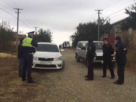 Воккупированном Крыму люди вмасках задержали четырех татар