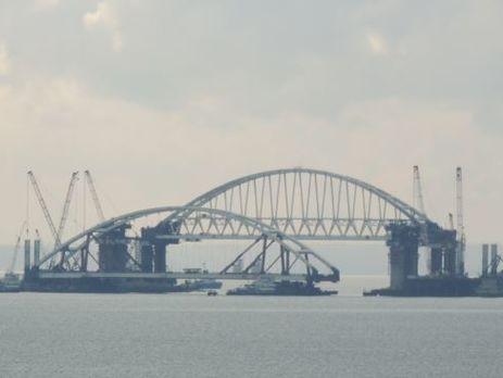 В оккупированном Крыму готовятся поставить автодорожную арку на опоры Керченского моста