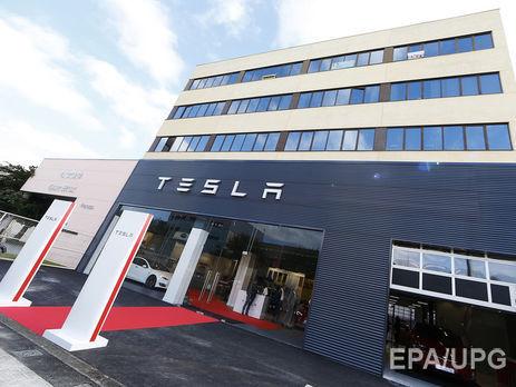 Tesla відкликає 11 тисяч кросоверів моделі Х