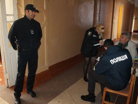 ВУжгороде эвакуировали школу из-за запаха газа, 11 детей попали в клинику