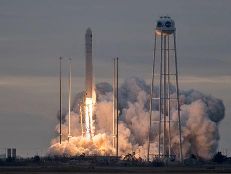 Скосмодрома США благополучно  запустили ракетоноситель Antares, произведенный вУкраинском государстве