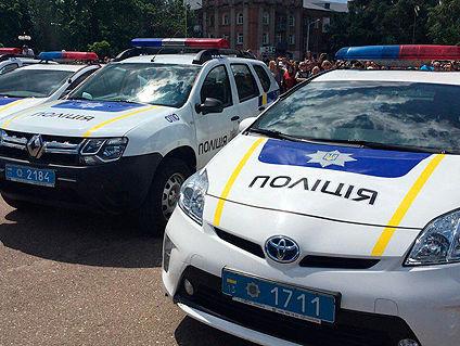 УСумах офіцер поліції, підозрюваний у п'яній їзді, врізався впатрульний автомобіль
