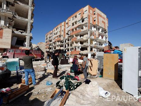Число жертв землетрясения в Иране возросло до 530 человек