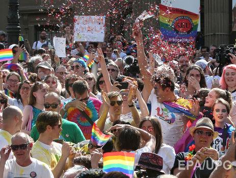 Австралийцы проголосовали нареферендуме запризнание гей-браков