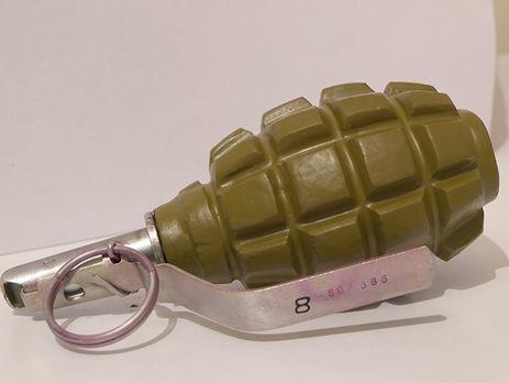 Бывший военный бросил гранату на лестницу подъезда