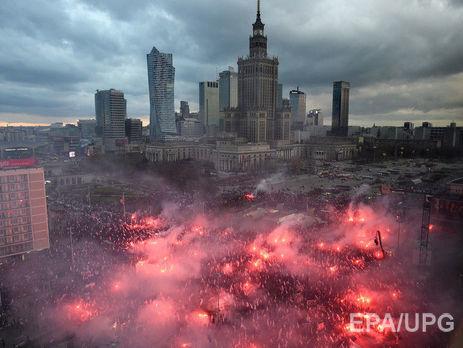 Европарламент принял резолюцию, предусматривающую введение санкций против Польши
