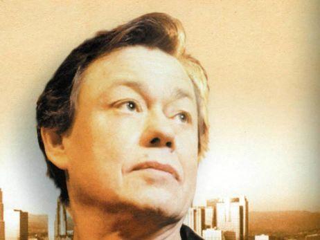 По словам сына Караченцова, актеру предстоит несколько курсов химиотерапии