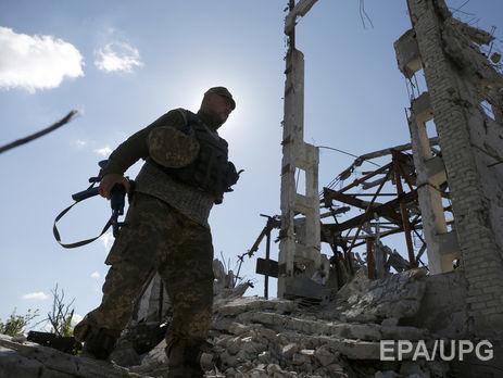 В итоге вражеских обстрелов взоне АТО умер боец ВСУ