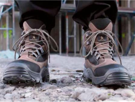 Якщо персонал підприємства забезпечений надійним спецодягом та робочим  взуттям 5515ff4938a1b