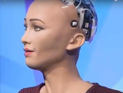 Удивительное видео. Робот София, получившая гражданство Саудовской Аравии, заявила, что желает детей