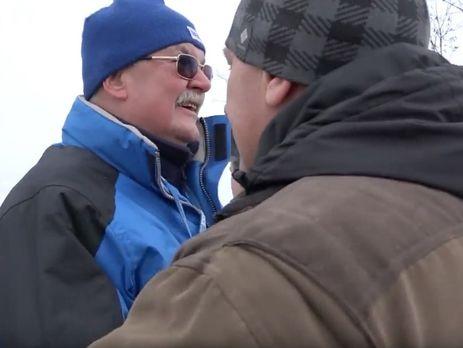 Передача тел украинских бойцов: наблюдатель ОБСЕ обнял боевика