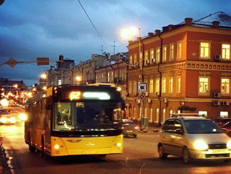 Через негоду тролейбуси і автобуси вКиєві курсують з відхиленням від графіка