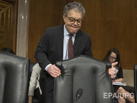Американский сенатор Франкен объявил о своей отставке